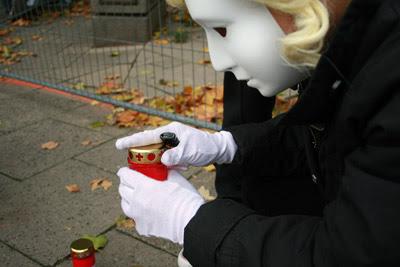 Gedenkkerze für die Opfer von Scientology