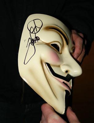 Von Tom Cruise signierte Vendetta Maske