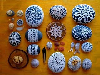 http://elledeco.blogspot.com.es/2009/03/delicate-stones.html?m=1