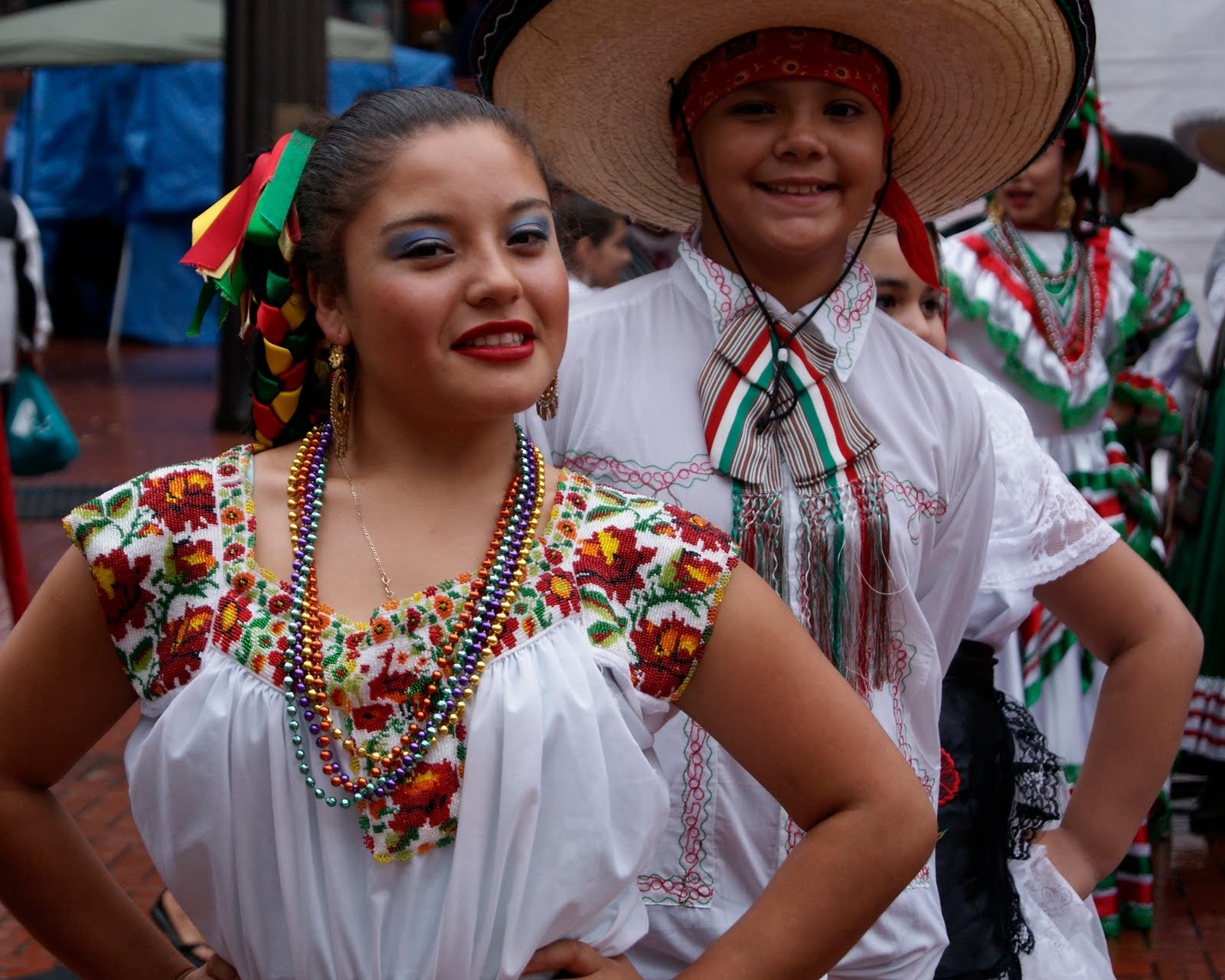 Square People: Celebrating Mexico's Independence Mexican People Pictures