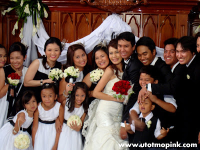 a Filipino bride to choose black and white as a wedding theme or motif.