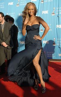 CelebPixx: Tyra Banks Flashes Some Thigh