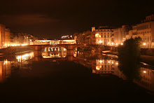 Fiume Arno at night
