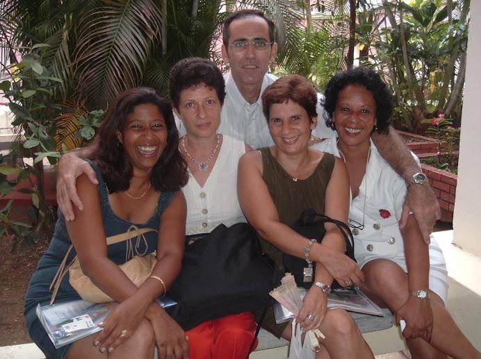 Teresa, Mabel, Alejandro, Madelém e Isabel