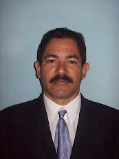 Dr. C. Giovanni Luis Villalón García