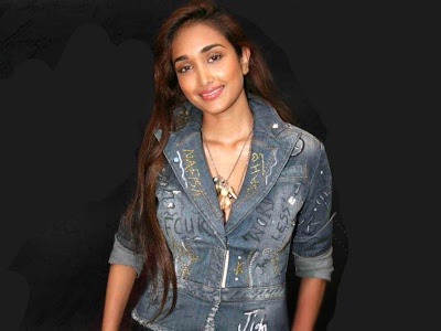 Angry Ghajini producer signs jiya khan, Jiah In Comic Role