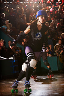 Kicken Red Vixen, Santa Cruz Derby Girls, Adrian Valenzuela, Roller Derby Photos, california Roller Derby
