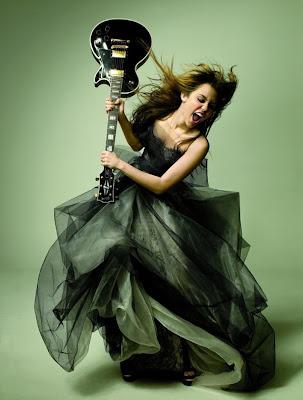 http://4.bp.blogspot.com/_l4HTfXGn-Ns/SehNGaOUPkI/AAAAAAAAYNM/WoLvUXRs0u0/s400/Miley+Cyrus.jpg