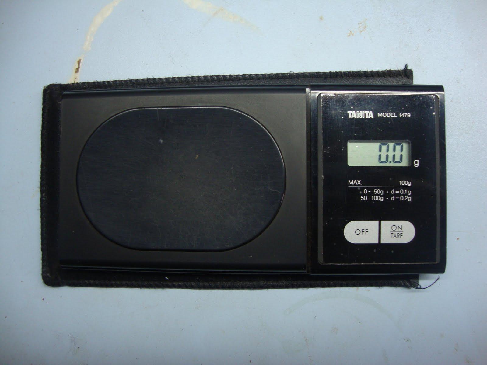 balança Tanita é a mais tradicional das balanças eletrônicas é  #4C6E7F 1600x1200 Balança De Banheiro Tanita