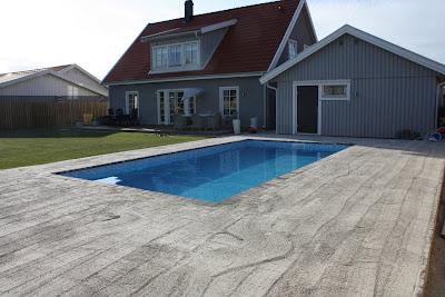 plattor runt pool