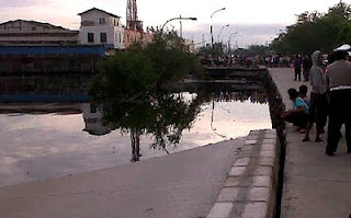 Foto Amblasnya Jalan R.E Martadinata