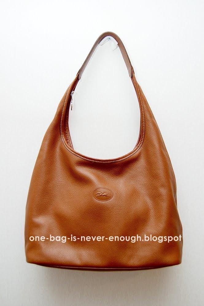 ffc3f71e2d5e Satu beg tangan tak akan cukup  Longchamp Veau Foulonne Classic Hobo Bag