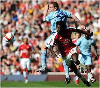 Emmanuel-Adebayor-Manchester-City-Arsenal-Tevez-Santa-Cruz