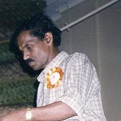 ஆங்கில புலமையாளர் திரு.கிருபாகரன்