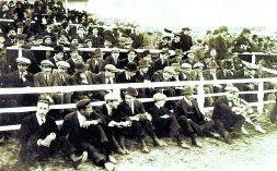 Imagen de la grada del campo de Jolaseta durante un partido. El Athletic jugó allí dos temporadas