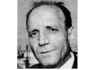 Luis de Castresana. Una nostalgia, una pipa y en su solapa, la insignia de su Athletic