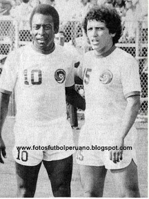 Pelé e Mifflin no Cosmos. No SFC foram poucas partidas juntos