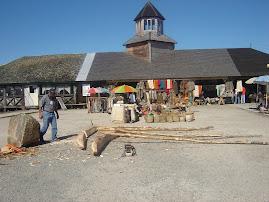 "A un costado ""Feria artesanal Dalcahue"""