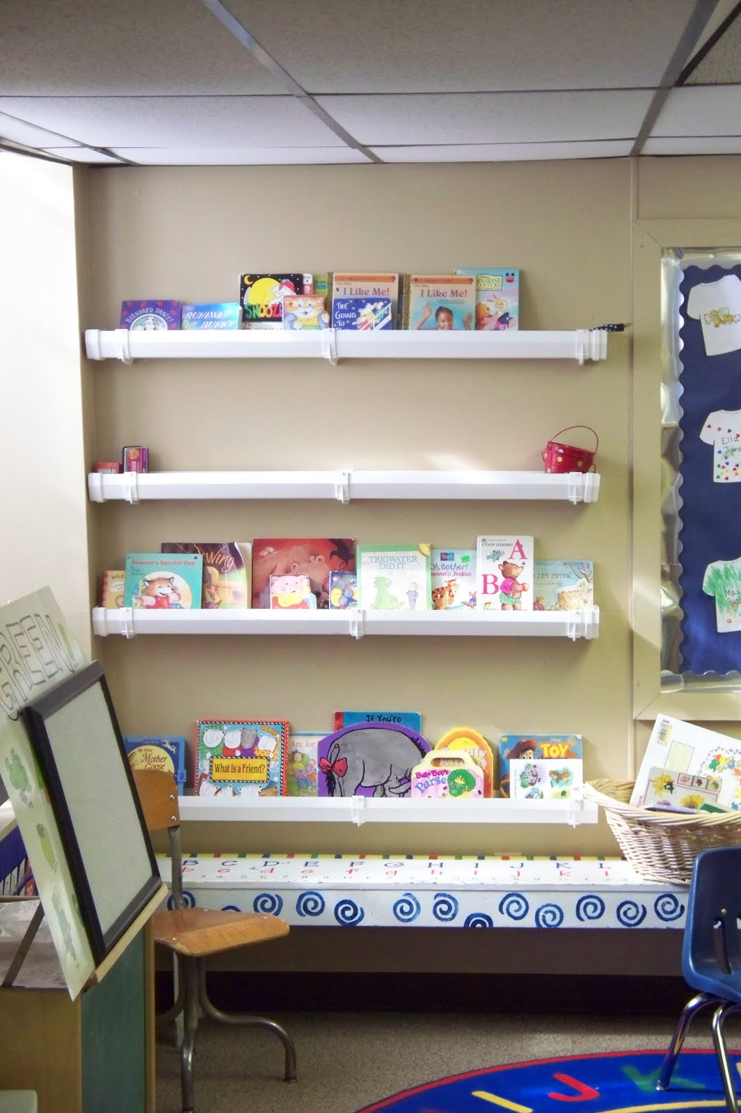 I teach preschool rain gutter bookshelves for Plastic rain gutter bookshelf