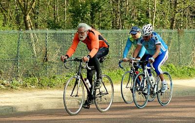 Ciclistas de la tercera edad