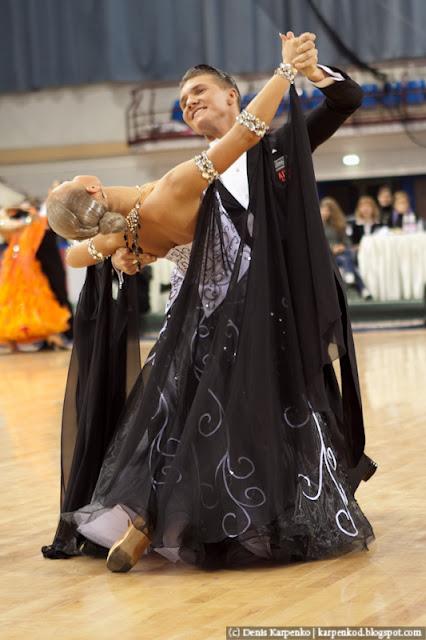 Российская пара Yury Simachev и Anastasia Klokotova выступает на чемпионате Европы по 10 танцам в рамках Belarus Open в  Минске, Беларусь 13.11.2010