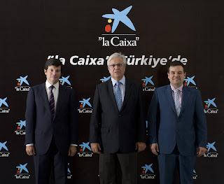D'esquerra a dreta, el Director Executiu d'Internacional de