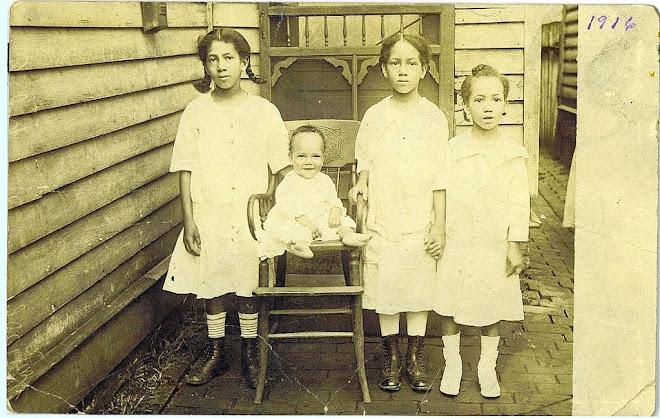 Maggie, Sam, Leeanna & Elizabeth Winstead