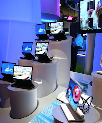 Sony Unveils World First OLED TV for December 2007