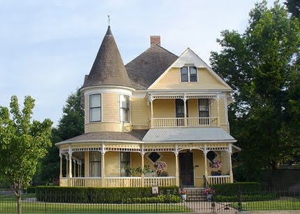 Under the gables homes are now shrinking in the u s a for 1900 architecture houses