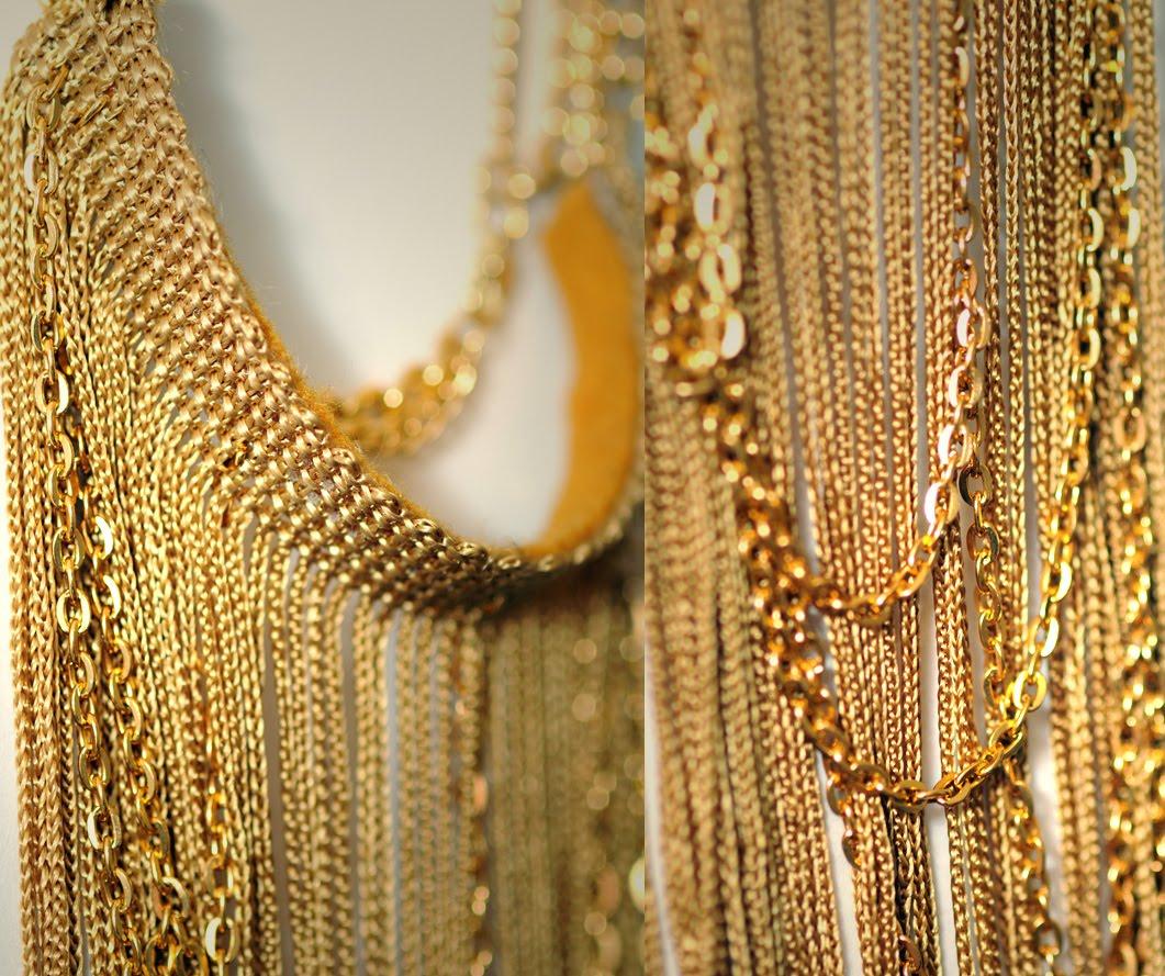 Collar largo graduable con flecos y cadenas doradas 50s.