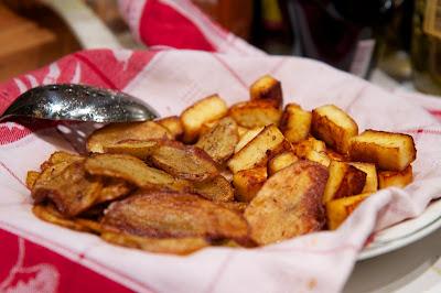 perunaa ja pinaattia rapeaksi paistettuna