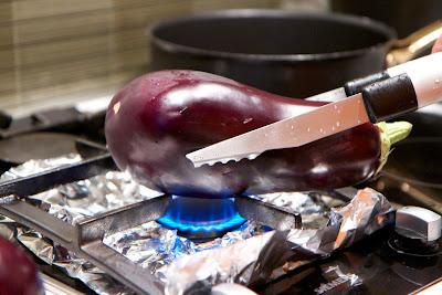munakoison pinnan polttaminen avotulella