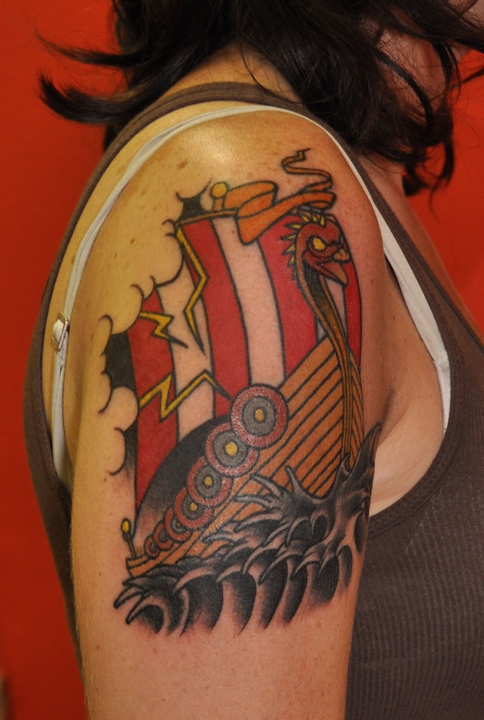 Labels: arm tattoos, complete, old school, Tattoos, viking ship