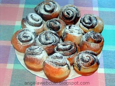 Kakaós csiga, akár muffin sütőben is süthetjük őket.