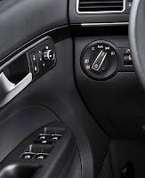 2011 Volkswagen Touran MPV 8