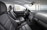 2011 Volkswagen Touran MPV 6
