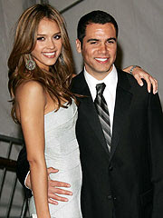 jessica alba is not pregnant