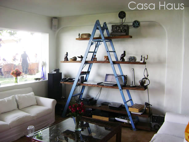 DIY Ladder Bookshelves 614 x 461