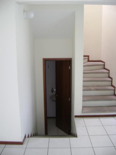 Tour de la casa casa haus decoraci n for Medios banos debajo de escaleras