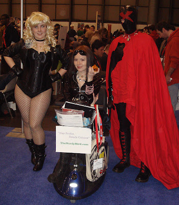 Black Canary me shamelessly advertising and X