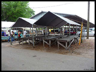 Weber, FL flea market stands
