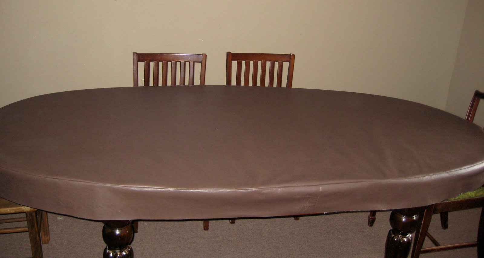 How to make a fabric table cover - Purchase Enough Fabric To Cover The Width And Length Of The Table And Enough To Do The Sides Around The Entire Table I Made These Sides 5