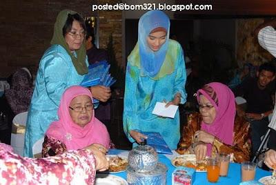 Fasha Sandha Bertudung