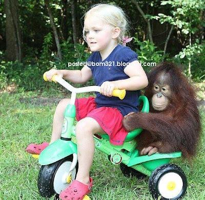 kids with monkey