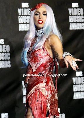 Lady Gaga Memakai Pakaian Yang Di Perbuat Dari Daging !
