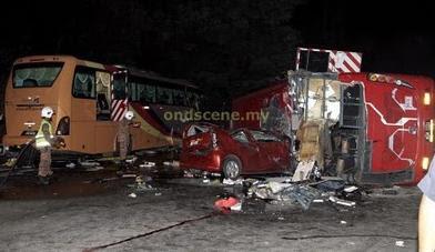 Gambar Kemalangan Di Kilometer 223 Berhampiran Plaza Tol Simpang Ampat - 11/10/2010 (2)