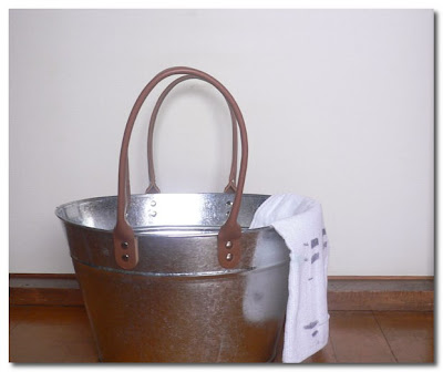 oji and design bucket with leather strap