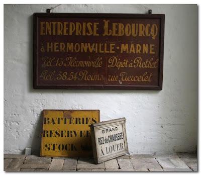 antiques at indenfor and udenfor