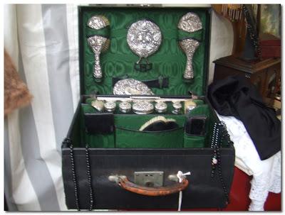 vintage vanity case