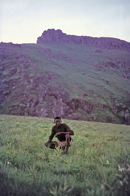 Siaka Kpaka - below summit of Bintimani - 1969